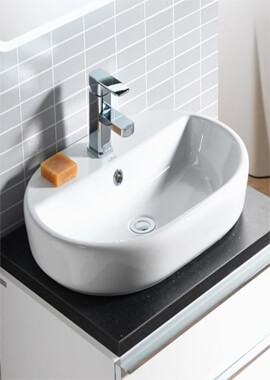 Related QX Caspia 600 x 420mm Oval With 1 Tap Hole